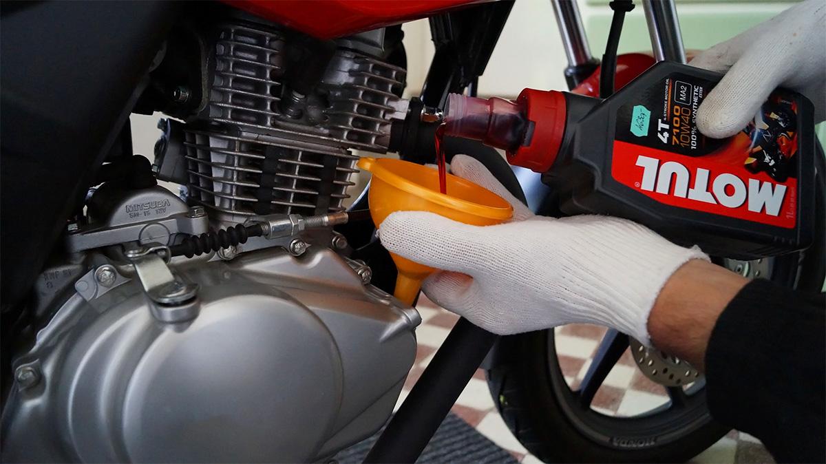 cómo elegir el mejor aceite para mi motocicleta